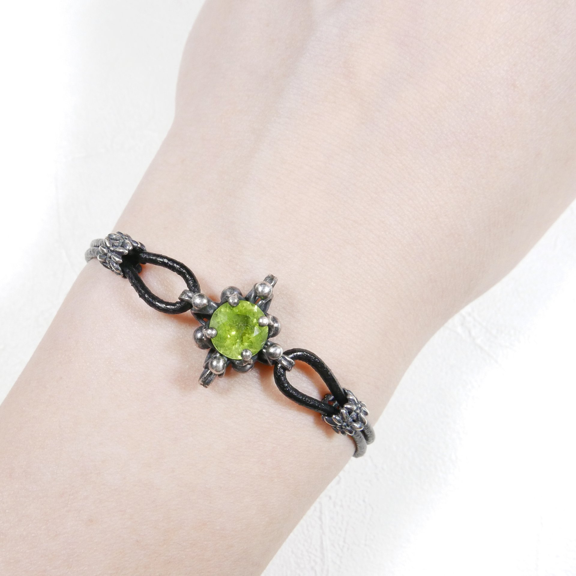 曼陀羅十字對稱橄欖石手鍊