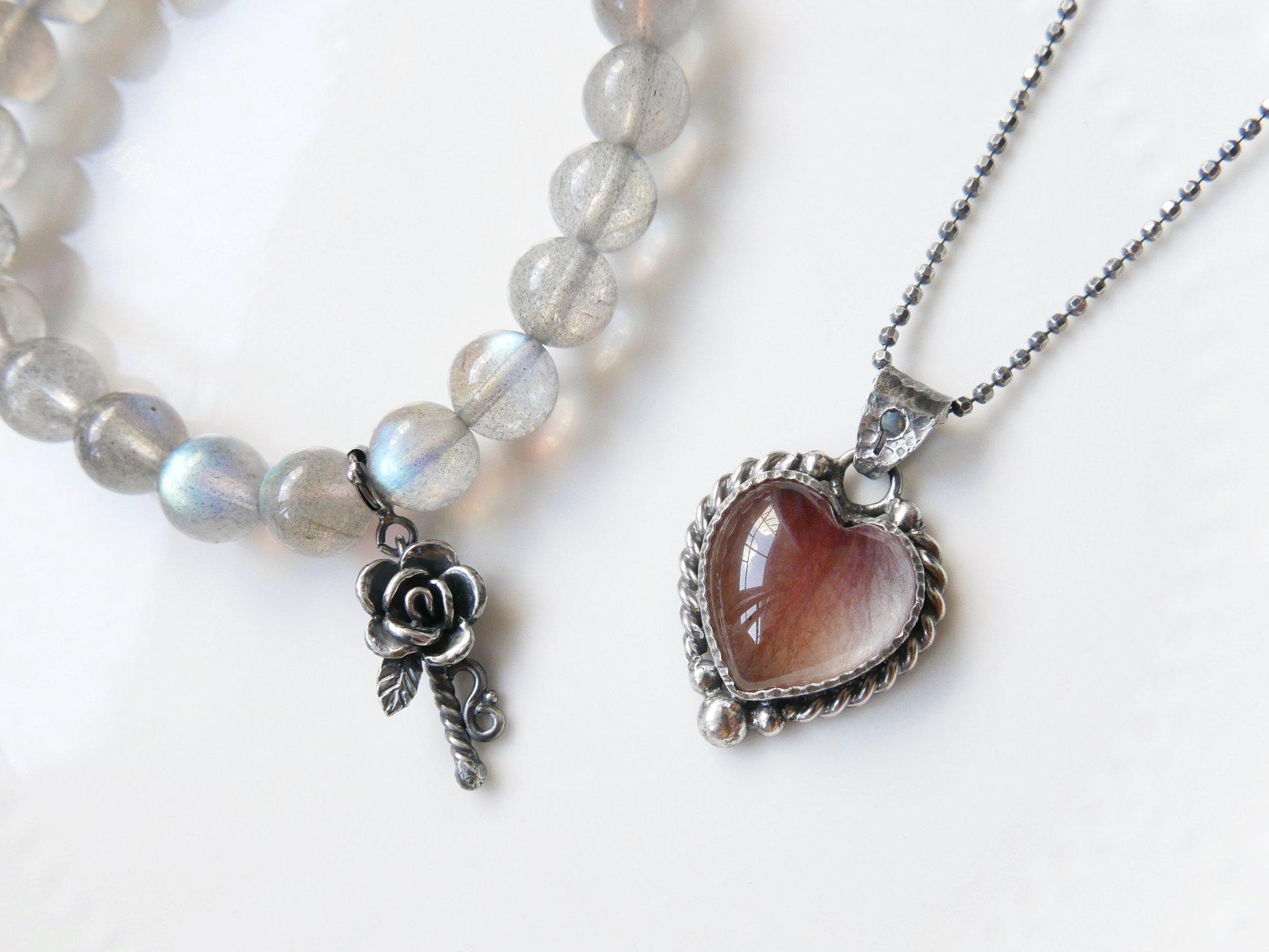 心鎖與玫瑰鑰匙.紅兔毛純銀墜組