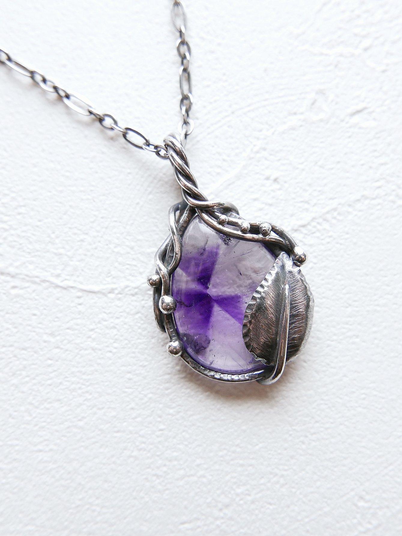 無名小花。紫水晶純銀墜