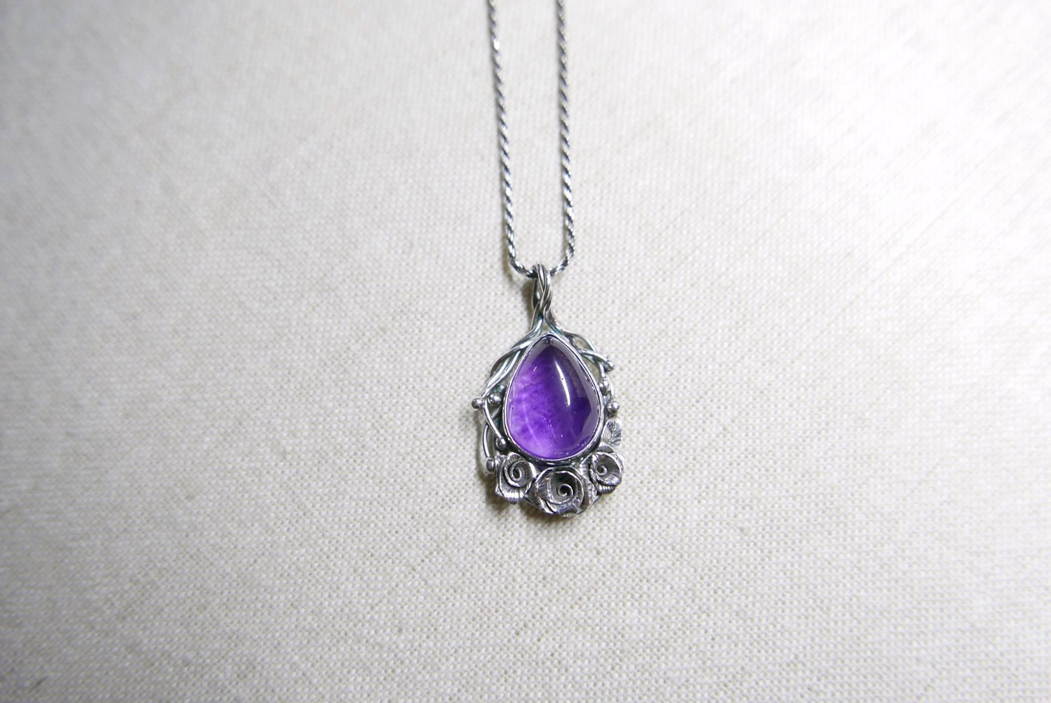 蔓生系列.紫水晶玫瑰墜