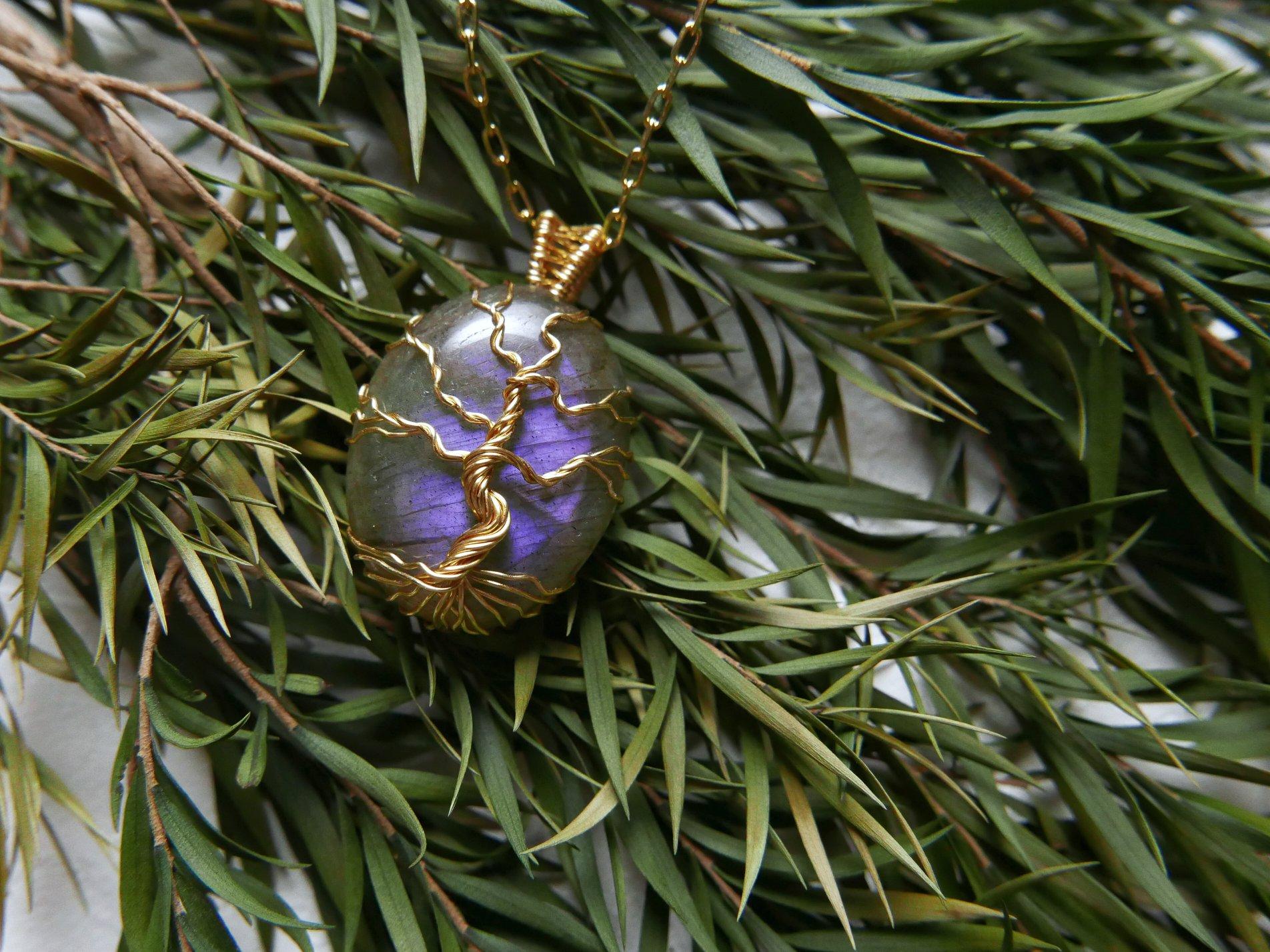 子夜之樹。紫色拉長藝術銅線鍊